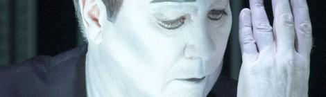 Krapp's Last Tape: molto Wilson, poco Beckett. Ermeneutica di una messinscena